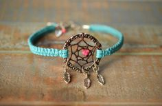 Dreamcatcher bracelet im making this!!! totes awesome