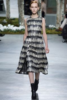 See all the Collection photos from Hugo Boss Autumn/Winter 2014 Ready-To-Wear now on British Vogue News Fashion, Review Fashion, Fashion Show, Fashion Design, Fashion 2014, Street Fashion, High Fashion, Hugo Boss, Style Couture