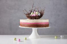 Den här tårtan kräver en del tålamod – men det är den helt klart värd. Dessert Recipes, Desserts, Food And Drink, Spring, Tailgate Desserts, Deserts, Postres, Dessert, Desert Recipes
