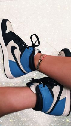 Nike Shoes OFF!> my pic of ma shoes Jordan Shoes Girls, Girls Shoes, Zapatillas Nike Jordan, Design Nike, Design Design, Basket Style, Nike Shoes Air Force, Aesthetic Shoes, Cute Sneakers