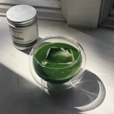 What's your personal #MatchaRitual? For Elizabeth @tealeavesandtweed, it's Iced Matcha in the summertime . . 「The smoothest way to drink Meiko from @Matchaeologist, ❄️ as the silky cold-whisked matcha glides over ice in a feather-light blown glass cup.」 . To learn more about Elizabeth's tea and beauty ritual, please visit tealeavesandtweed (link in her bio @tealeavesandtweed) . Treat your taste buds to the most delectable-tasting artisanal matcha — an antioxidant-packed shot to revitalise…
