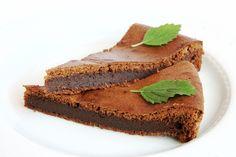 Vyzkoušejte famózní #čokoládový dezert – dolce al ciocolato (vč. #bezlepkové varianty). Kdo má rád hořkou čokoládu, ten jej bude péct zaručeně znovu a znovu. Paleo, Ice Cream, Gluten Free, Smoothie, Desserts, Recipes, Food, No Churn Ice Cream, Glutenfree