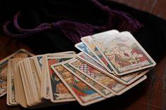 Návod, jak si vyložit tarotové karty Psychic Hotline, Yi King, Tarot Significado, Star Reading, Free Reading, Magical Thinking, Tarot Learning, Tarot Card Meanings, Psychic Readings