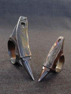 Blacksmithing as a hobby Metal Jewelry, Jewelry Art, Jewelry Rings, Jewelery, Jewelry Accessories, Jewelry Design, Sculpture Metal, La Forge, Handmade Jewelry