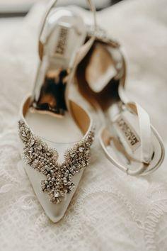Modern Stylish Chic White Embellished Bridal Shoes Badgley Mischka   Urban Industrial Luxe Wedding http://hellencophotos.com/ #wedding #shoes #bride #bridal #embelllished #weddingshoes