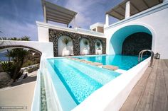 Iconic Santorini, Santorini, Greece #travelinspiration