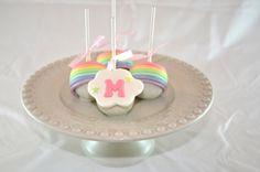 Cakepops para aniversário de menina - Arco-Íris