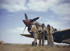 The Royal Air Force in Tunisia, May 1943 The CO of No 112 Squadron, Royal Air Force and his two Flight Commanders discuss a course. Fighter Pilot, Fighter Jets, Fighter Aircraft, Air North, Pilot Uniform, Airplane Fighter, Shark Art, My Photo Gallery, Ww2 Aircraft