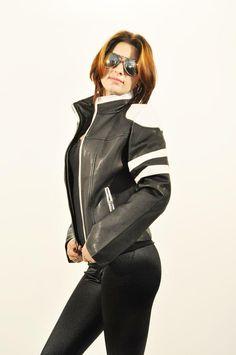 Geaca Dama Motorcycles  Geaca dama scurta, din piele ecologica. Se inchide cu fermoar.  Are buzunare laterale.      Lungime: 53cm  Latime talie: 41cm  Compozitie: 100%Poliester Leather Jacket, Jackets, Fashion, Tattoo, Studded Leather Jacket, Down Jackets, Moda, Leather Jackets, Fashion Styles