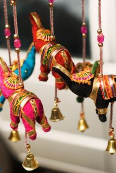 Hanging elephant figurines in beautiful bright silks to decorate the wedding… Indian Party Themes, Indian Theme, Indian Style, Bollywood Party, Diwali Decorations, Indian Wedding Decorations, Indian Decoration, Party Mottos, Mobiles