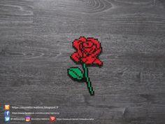 Rose Rouge Perles Hama / Red Rose Perler Beads Hama Disney, Hama Beads Disney, Mini Hama Beads, Diy Perler Beads, Perler Bead Art, Pearler Beads, Fuse Beads, Hama Mini, Perler Bead Designs