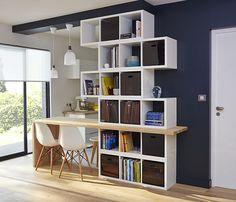 Avec ce meuble ingénieux, toute la hauteur sous plafond est exploitée afin d'offrir le maximum de rangements. http://www.castorama.fr/store/pages/zoom-sur_rangement_cubes_sejour.html
