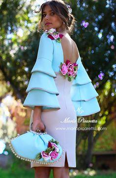Mamá de Comunión, María Picaretta Simple Dresses, Beautiful Dresses, Short Dresses, Girls Dresses, African Attire, African Dress, Fashion Vestidos, Fashion Dresses, Dress Skirt
