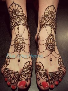 From bridal fashion trends, the obvious next trend forecast is henna. Henna is classic. Every Desi bride dreams of what her mehndi is going to look like on her big day. It's even more important than the dress (probably). And even though the designs that are applied to the brides arms and feet are passed down through the ages, every year we see new [...]