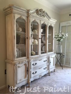 & noch so manches☆ 60 Most Beautiful Antique China Cabinet Makeover Ideas Latest Drug Abuse Stati Refurbished Furniture, Paint Furniture, Repurposed Furniture, Furniture Projects, Furniture Makeover, Dresser Makeovers, Furniture Design, Refurbished Cabinets, Furniture Websites