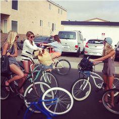 SCF beach cruiser gang - Love all these Ladies style.