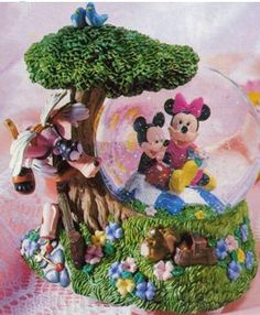Disney Mickey and Friends Snow Globe