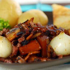 Fransk köttgryta på svenskt vis - Recept - Tasteline.com Beef, God, Meat, Dios, Ox, Praise God, Steaks, The Lord, Steak