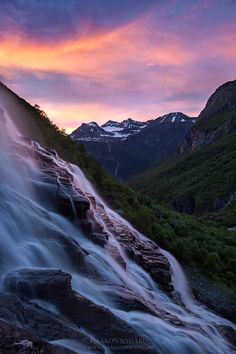 "500px / Photo ""Falling"" by Haakon Nygård"