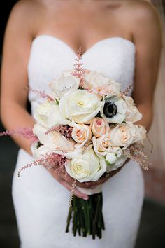 Idea File: 22 ideas using three popular colors for weddings. Sand, blush and cream wedding ideas.