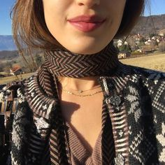 lip color Louise Damas, Sister Christmas Presents, Damas Jewellery, Jewelry, Jeanne Damas, French Beauty, Parisian Chic, Lip Colors, Girl Hairstyles