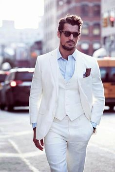 Mens suit all white.