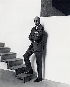 Luis Ramiro Barragán Morfín (Guadalajara, Jalisco, México; 9 de marzo de 1902 - México, D. F.; 22 de noviembre de 1988) fue uno de los arquitectos mexicanos más importantes del siglo XX y único de su nacionalidad en obtener el Premio Pritzker en 1980. Luis Barragán es uno de los arquitectos más influyentes de la modernidad mexicana.