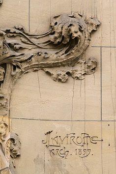 Hôtel Montessuy. Rue Sedillot, 12 París. Jules Lavirotte