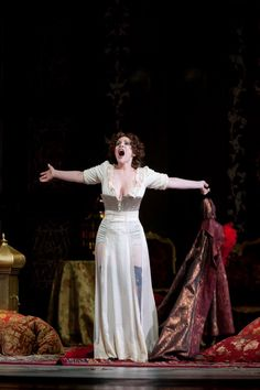 "Carmen Giannattasio (Violetta) - I atto ""La Traviata"""