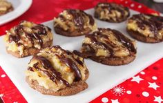 These German chocolate cake cookies are incredibly easy to make. Learn how to bake these with alamain.net's step-by-step instructions.