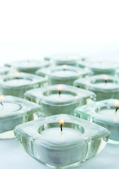 Las velas, ademas de decorativas y románticas son muy útiles.