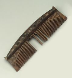 Title:  Comb  Place:  Russia  Date:  Culture of Ancient Rus. 10th century  Place of finding:  Staraya Ladoga, Leningrad Region  Archaeological site:  Earthen Settlement (excavations by V. I. Ravdonikas)  Material:  horn  Technique:  carved  Dimensions:  l. 11,8 cm; width 3,4 cm  Acquisition date:  Entered the Hermitage in 1952; handed over by the Staraya Ladoga archaeological expedition in 1950  Inventory Number:  оп.хр.10/64