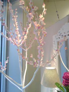 Detalle de la decoración del escaparate.