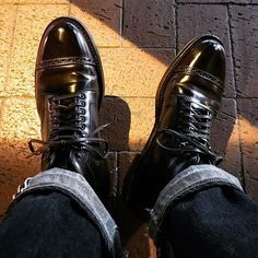 kasper746 Alden cordovan perforated cap toe boots #alden #aldenshoes #aldenarmy #aldenboots #color8 #horweenleather #shellcordovan #horween #shoeporn #dressshoes #足元くら部 #足元倶楽部 #コードバン #shoegazing #cordovan #timewornclothing #atlastco 2017/12/03 14:17:37 Alden Cordovan, Alden Boots, Classic Hats, Deconstruction, Traditional Dresses, Leather Shoes, Gentleman, Oxford Shoes, Shell
