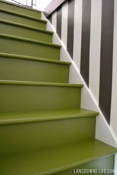 33 Awesome Painted Stairs Ideas To Beautify Your Interior - Painting a stairway will not only decorate the appearance of the stairs but will also enhance the appearance of your entire house. In case you are loo. Painted Staircases, Staircase Railings, Painted Stairs, Staircase Design, Staircase Ideas, Stairwell Wall, Stair Walls, Flooring For Stairs, Foyers