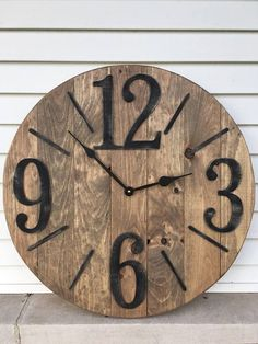 Stylish, Innovative And Easy Diy Wall Clock Ideas That Will Stun You - Crafts Zen Rustic Wall Clocks, Farmhouse Wall Clocks, Wood Clocks, Diy Wall Clocks, Diy Clock, Clock Decor, Diy Wall Decor, Clock Ideas, Wall Clock Design
