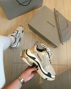 R1800 WhatsApp me to order 081 850 7400 Sneakers Fashion, Fashion Shoes, Gucci Sneakers, Louis Vuitton Sneakers, Sneakers Nike, Air Max Sneakers, Fashion Goth, Fashion Dresses, Cute Sneakers