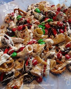White Trash Snack mix-a little sweet, a little salty, a lot of yum! OK, I know what you're all thinking. That's not a very nice thing to say. Well I didn't say… Snack Mix Recipes, Candy Recipes, Holiday Recipes, Cooking Recipes, Snack Mixes, Christmas Recipes, Holiday Foods, Christmas Trash Recipe, Holiday Treats
