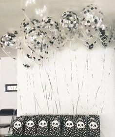 #globos #blackandwhite #oneyear #dots #panda #party #favours (en Residencial Paseos De Churubusco)