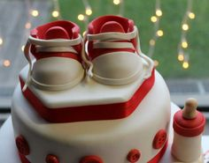#Details/ Pretty red and white #cake