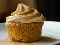 Biscoff Cupcakes With Biscoff Frosting