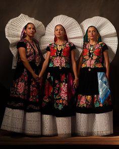 Tres Hermanas, tres Tehuanas.