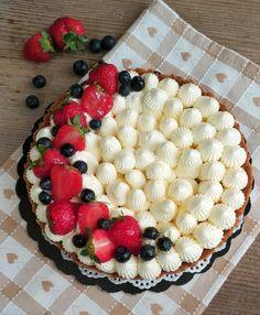 Crostata senza cottura con crema al mascarpone e panna!   Lisa in cucina Cheesecake, Biscotti, Food And Drink, Menu, Pie, Sweets, Desserts, Cakes, Pie Cake
