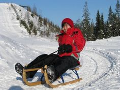 Winter sledding in Paljakka, Puolanka. Track length is 1.200 metres!