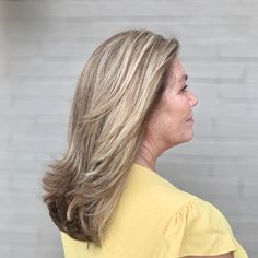 The best chop that features flipped out layers for older women! Its dimensional brunette color gives a hint of youthfulness, too. Latest Hairstyles, Hairstyles Haircuts, Dimensional Brunette, Medium Length Hair Cuts With Layers, Medium Hair Styles, Long Hair Styles, Medium Layered Haircuts, Flip Out, Brunette Color