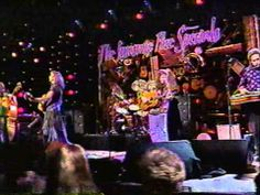 ▶ Emmylou Harris and The Nash Ramblers-Walls Of Time - YouTube