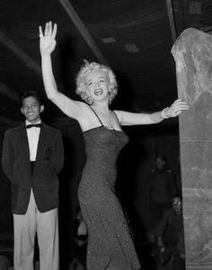 Marilyn Monroe in her tour for supporting US troops in Korea. February 1954