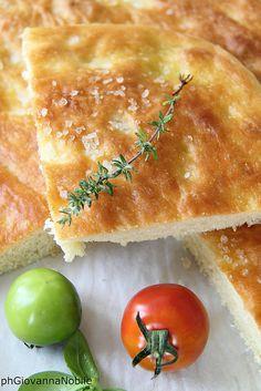 la cuoca eclettica: Focaccia di grano Kamut, preparata con lievito mad...