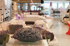 Lethes Home | Uma loja de produtos para a casa onde o grande trunfo são os têxteis com motivos contemporâneos mas fabricados nos teares manuais de Viana do Castelo...à venda na Rua Sá da Bandeira.