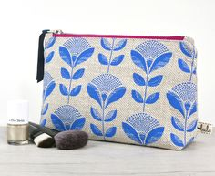 Large makeup bag with abstract dandelion print(Etsy のluluandlucaより) https://www.etsy.com/jp/listing/258058031/large-makeup-bag-with-abstract-dandelion